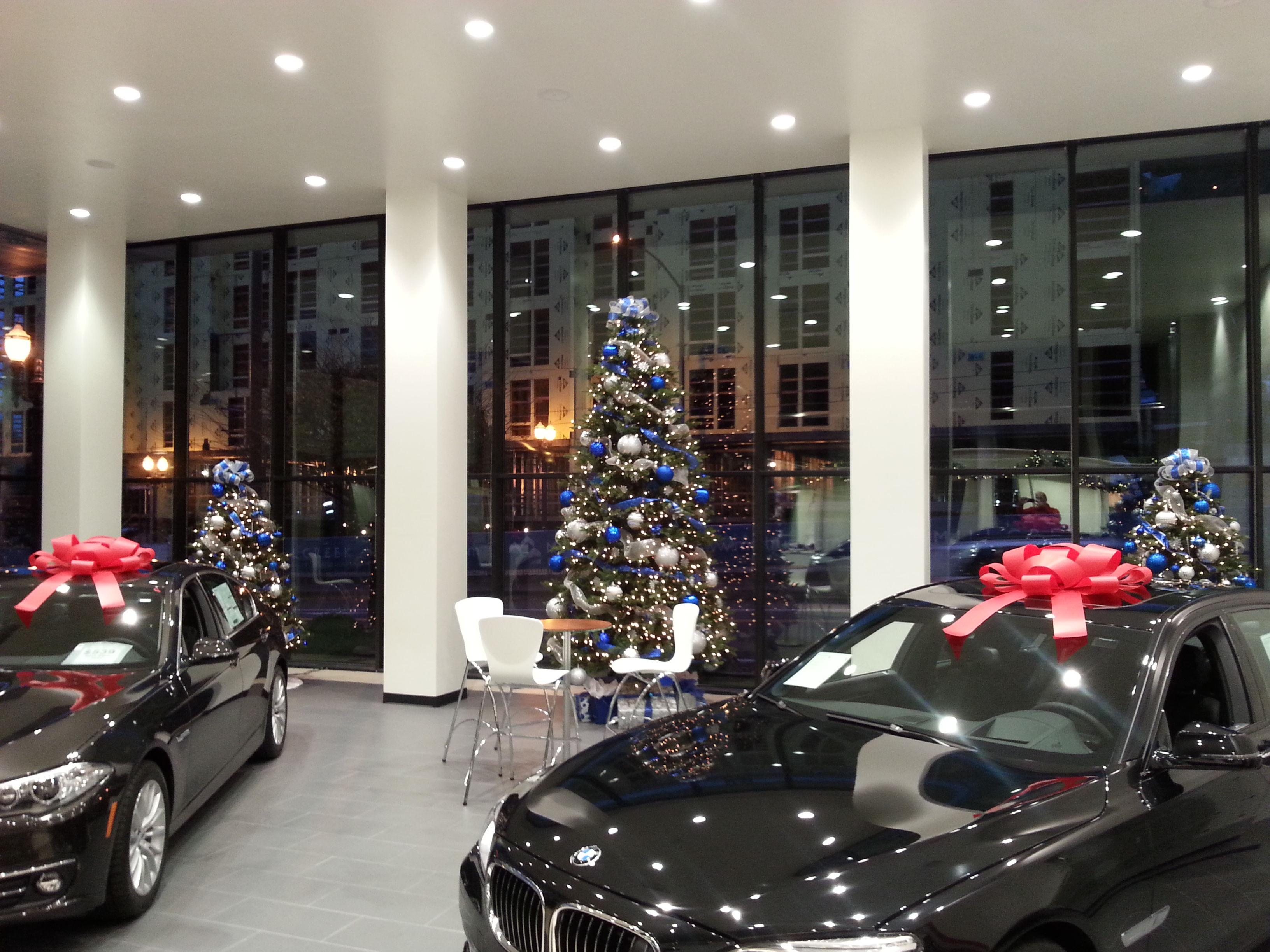 Car Dealership Christmas Decorations